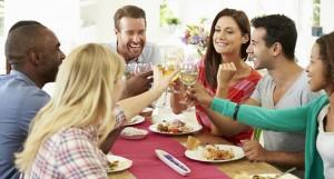 trilha-sonora-em-um-jantar-com-os-amigos