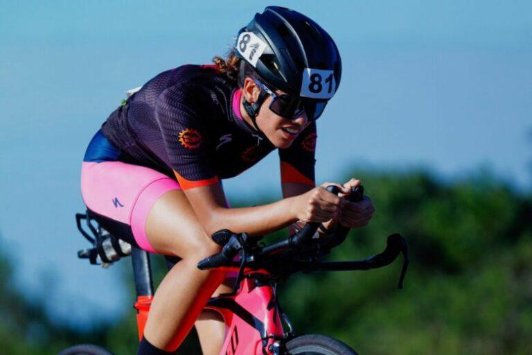 Vitória Costa, de 19 anos, busca novos apoiadores para seguir no esporte