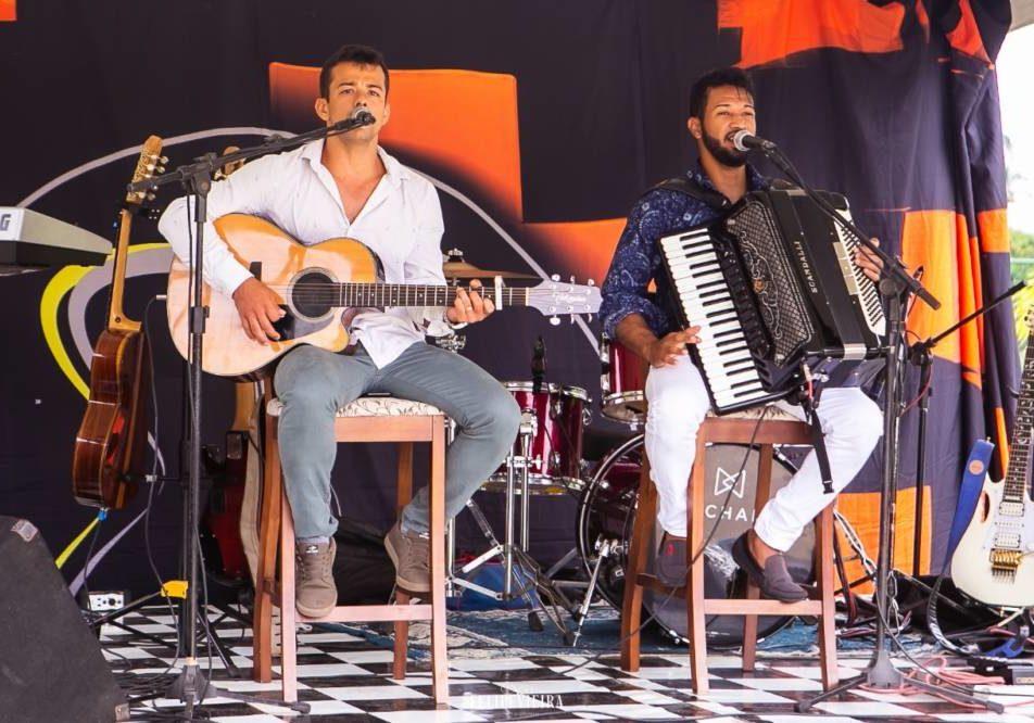 Sertanejo-de-bar_-Pedro-Ricardo-e-Juliano_Foto_Divulgacao